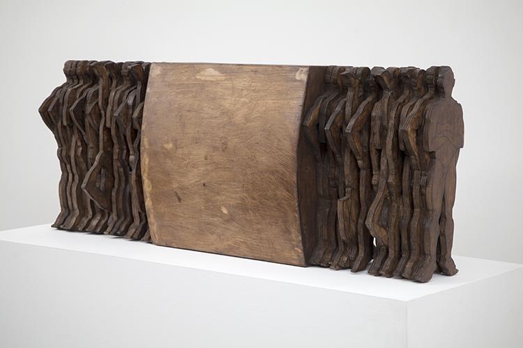 Andrés Montalván, Eterna idea del regreso (Eternal Idea of the Return), 2012. Wood, 18 x 47 x 11 in.