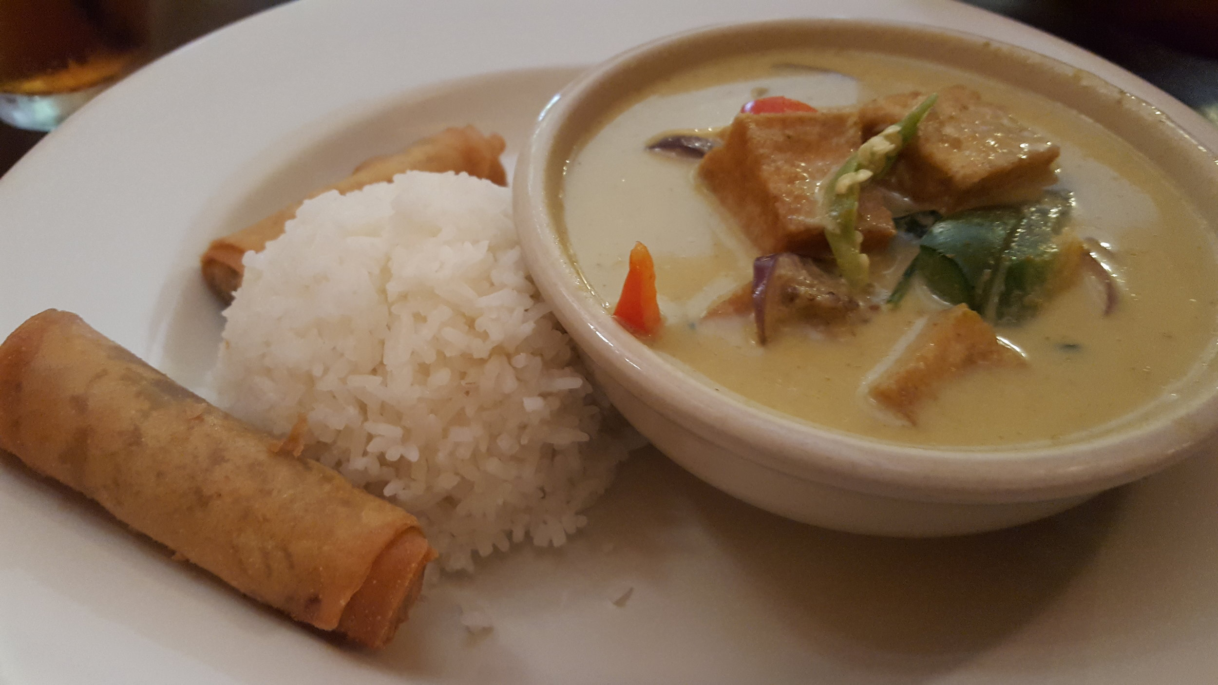 Green curry w/ eggplant & tofu