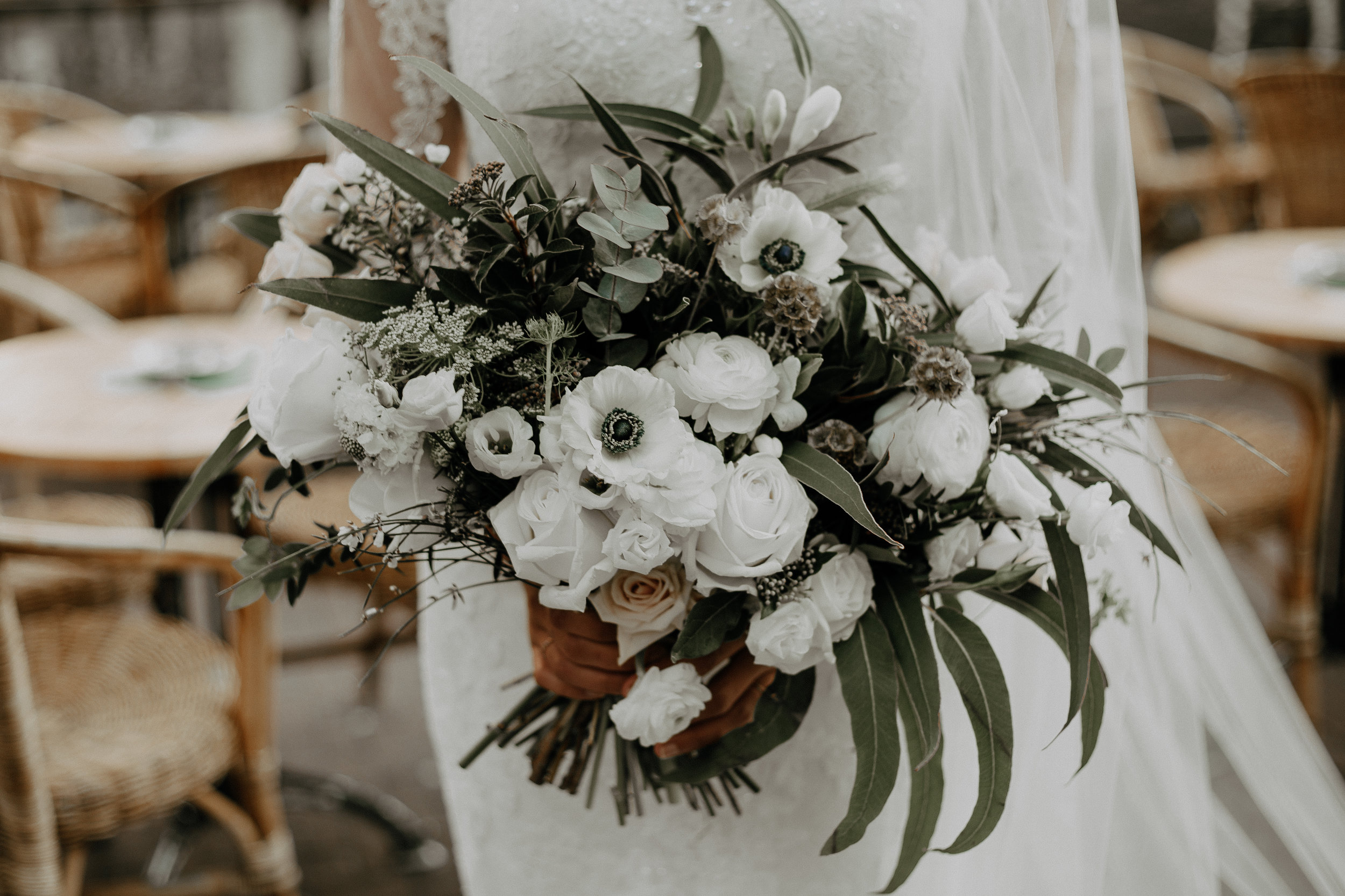 Natural tones bridal bouquet
