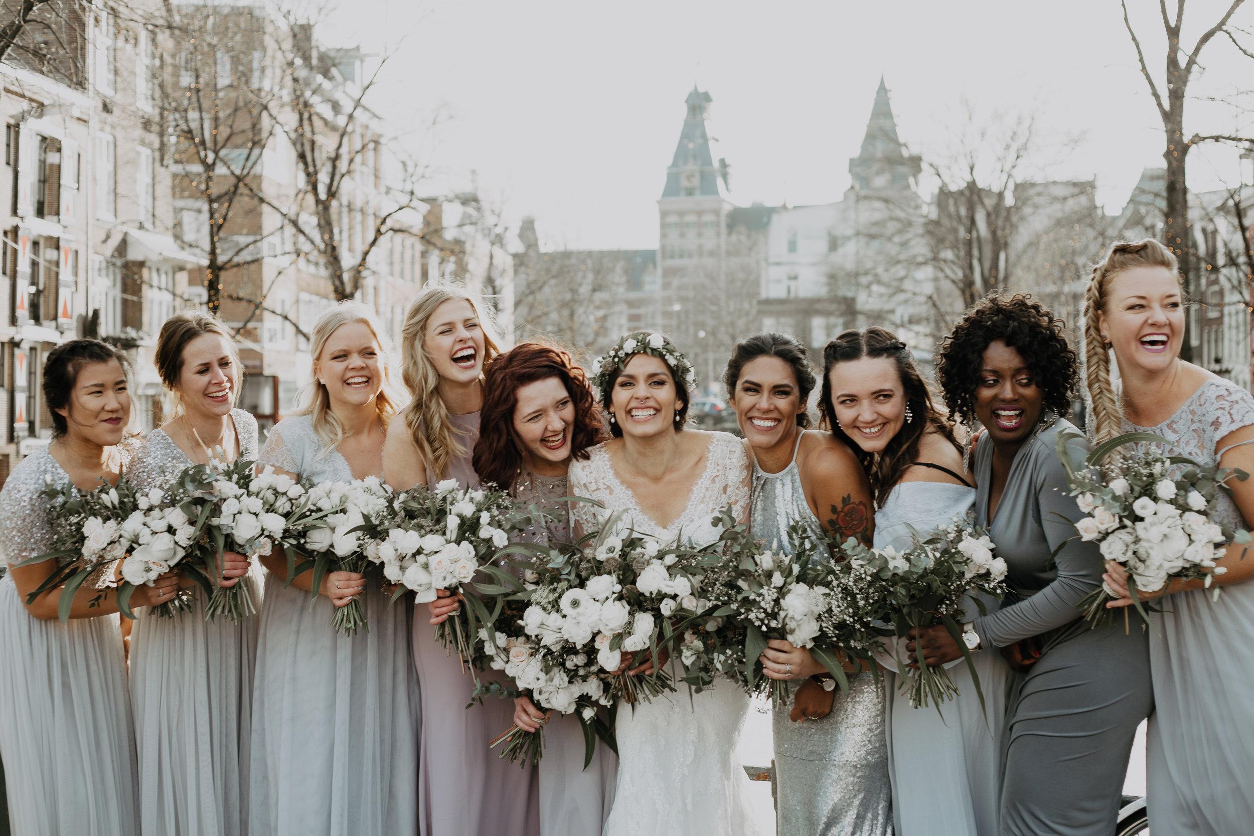 Bridesmaids bouquets natural whites