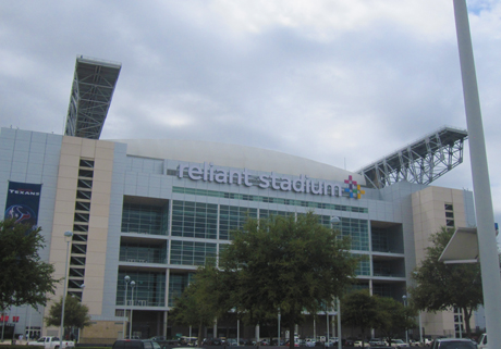 RELIANT STADIUM   forensic chilled water  piping evaluation