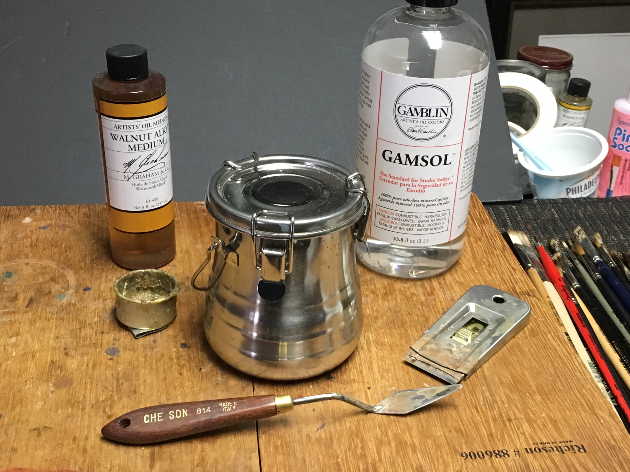 Gamsol solvent, Alkyd medium & cup,  turp container, palette knife and scraper.