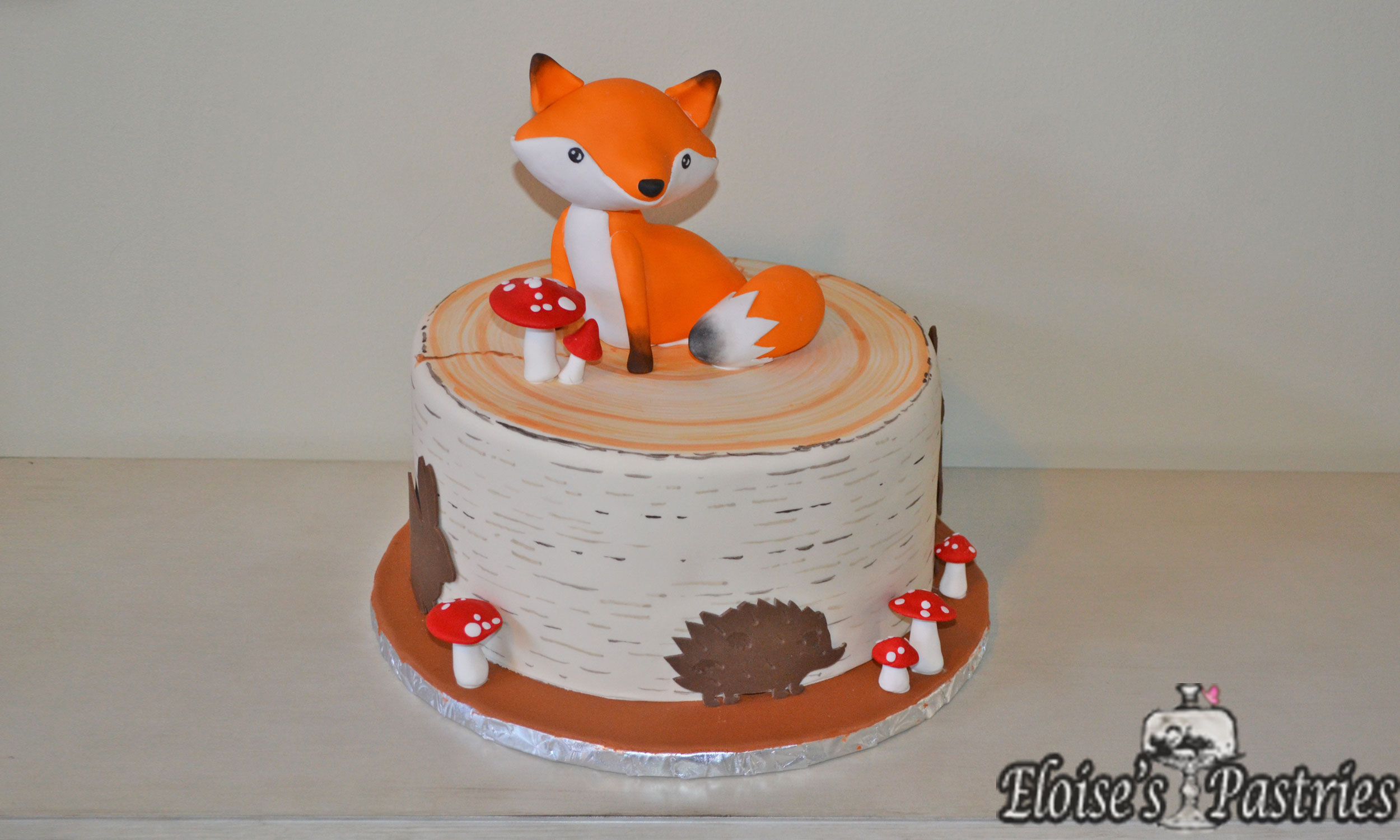 Fox and Woodlands Simple Baby Shower Cake