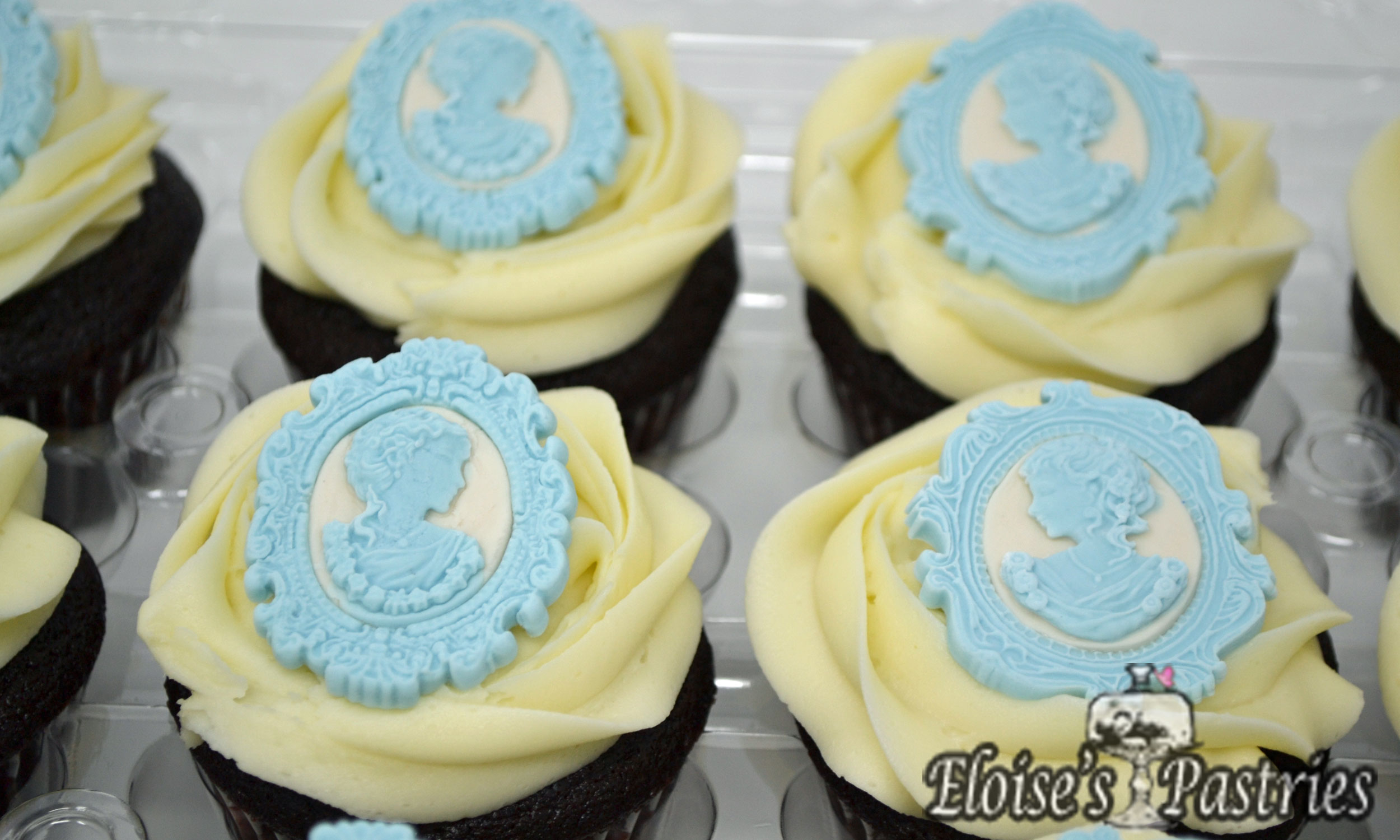 Victorian Silhoutte Cupcakes Tiffany Blue
