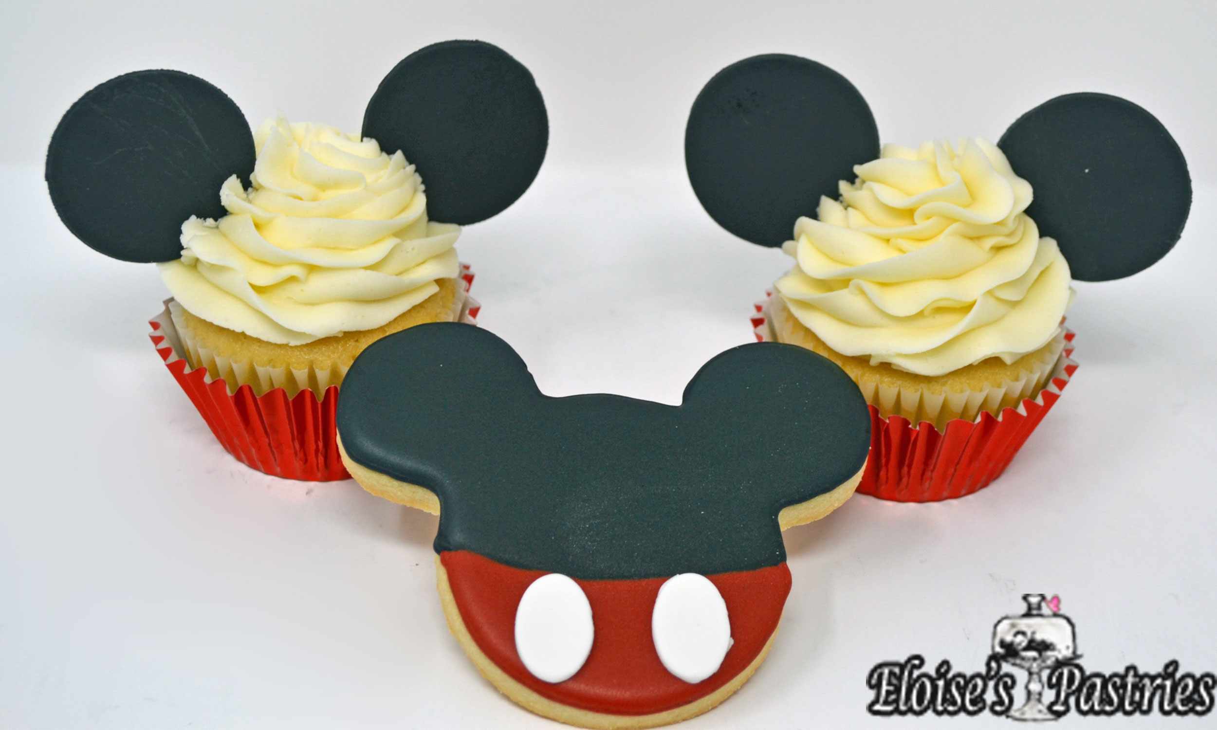 Mickey Mousse Cookies & Cupcakes