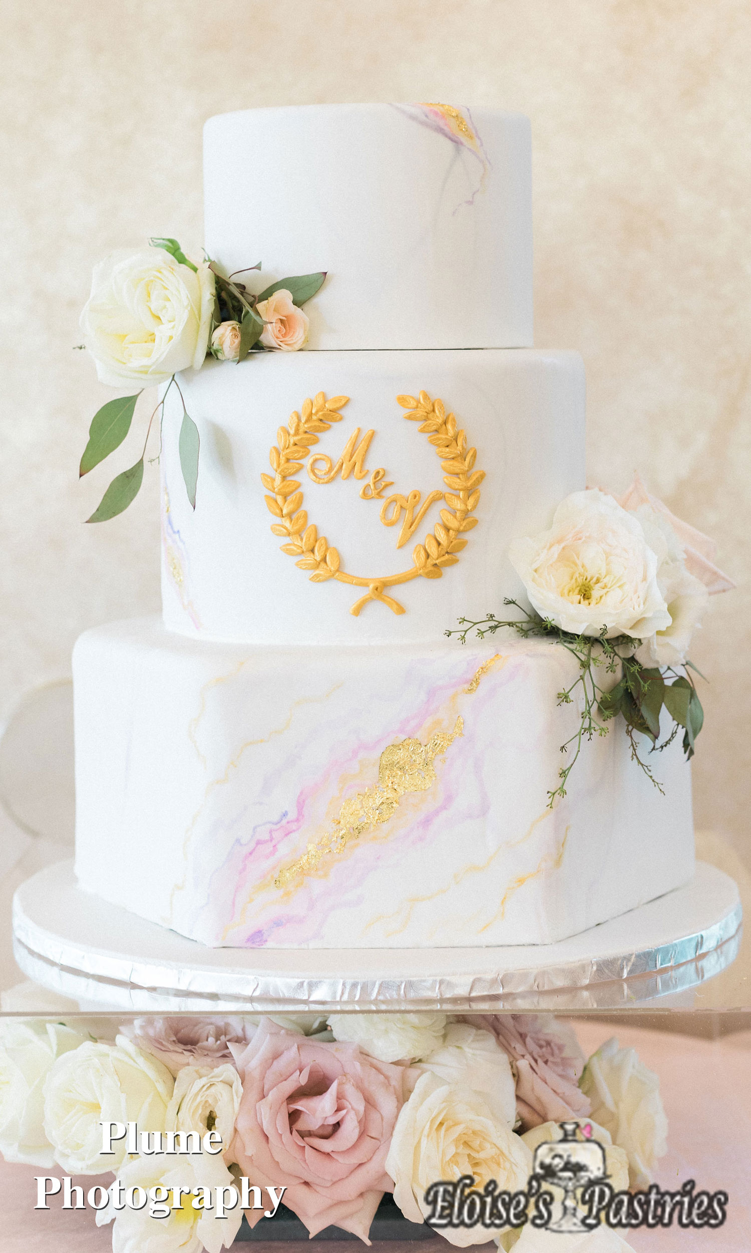 Marble and Gold Wedding Cake - Round and Hexagon