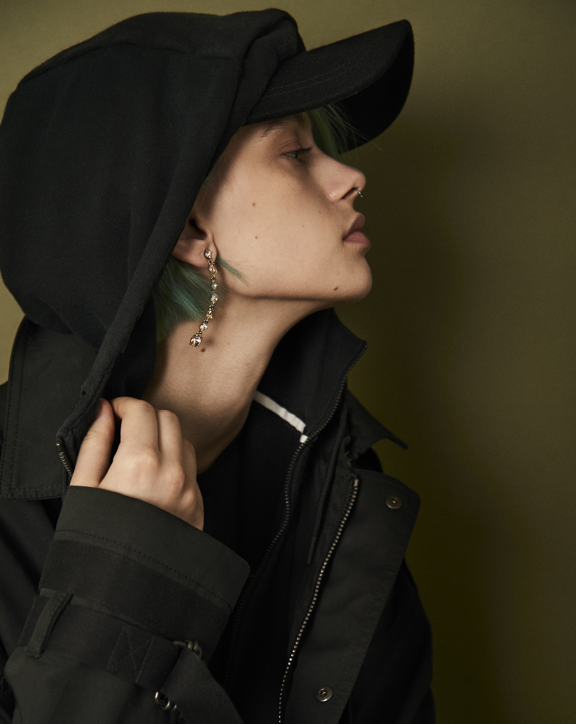 Hooded sweatshirt  Nike . Jacket  Diesel Black Gold . Earring  Givenchy . Wool cap  Epoch