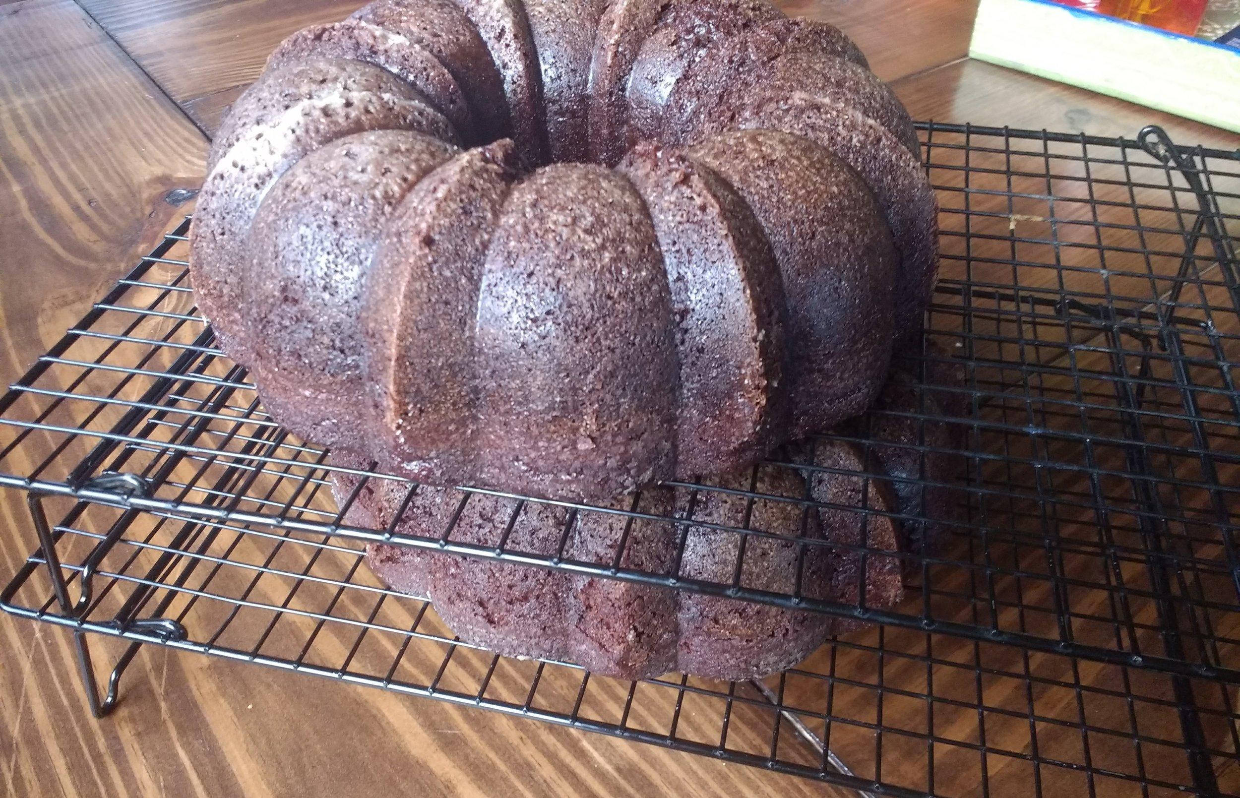 Beneath the Cake: how to make a Pumpkin-Shaped Cake