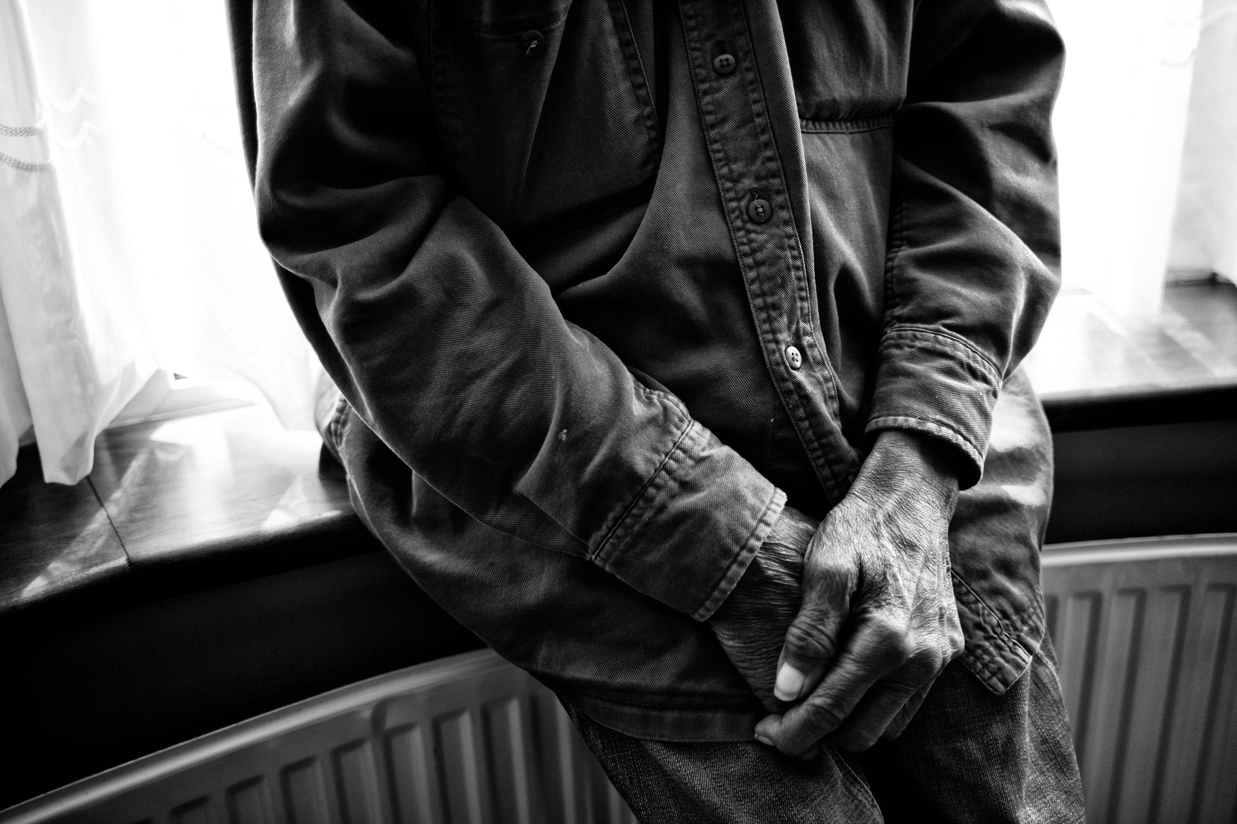 A mechanic's hands. (07.08.17)
