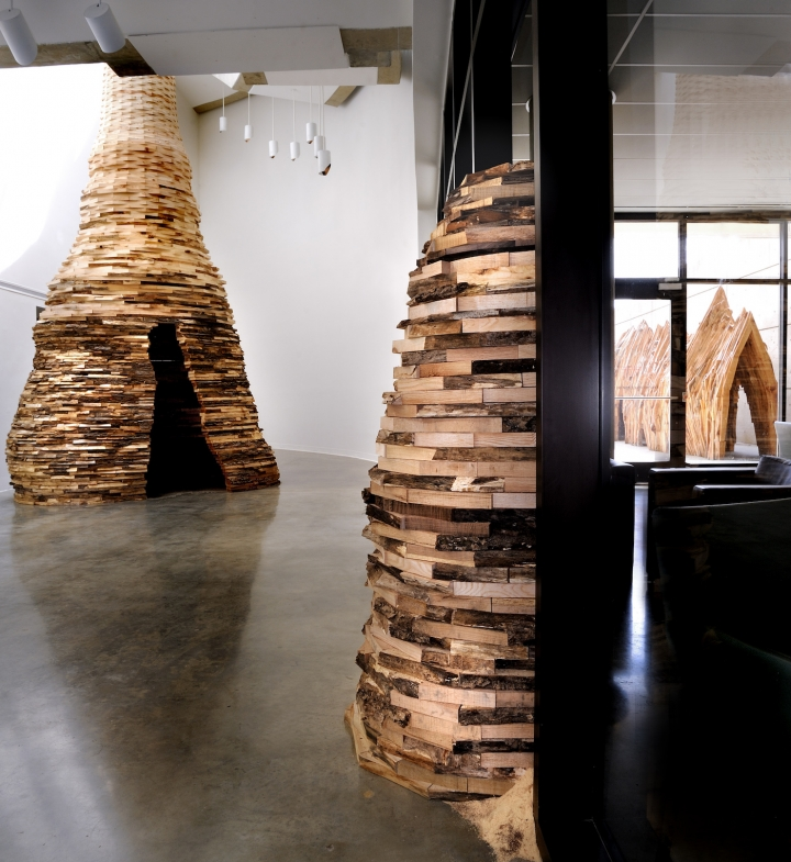 https://hyperallergic.com/393496/wood-sculptures-rooted-in-politics-and-philosophy/