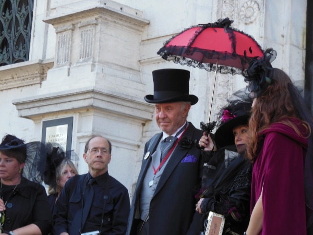 https://www.washingtoncitypaper.com/arts/museums-galleries/blog/13081218/in-a-pseudo-funeral-mourners-grieve-the-closing-of-the-corcoran-gallery-of-art