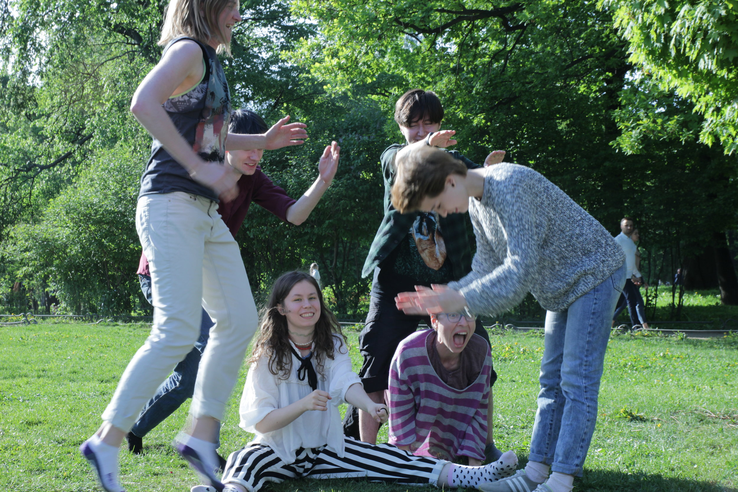 Telaboratoria participants picnic, St. Petersburg, May 2018. Photo Credit: Dzhessi Oliver