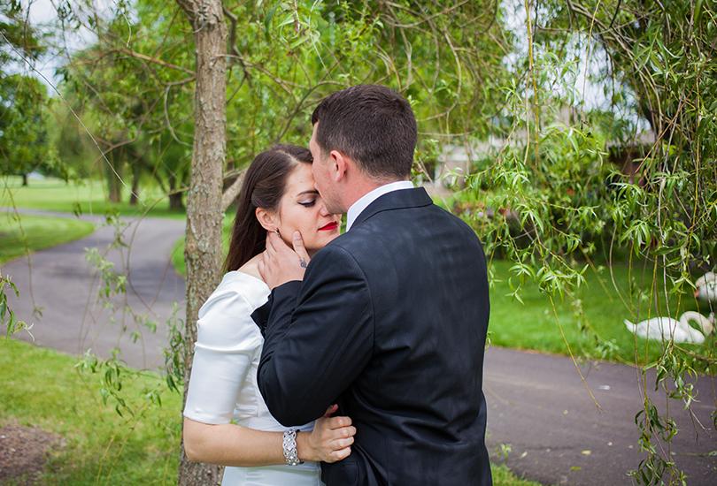 Greenwood-Indiana-wedding-photographer-valle-vista-golf-club-swan-bridal-portrait.jpg