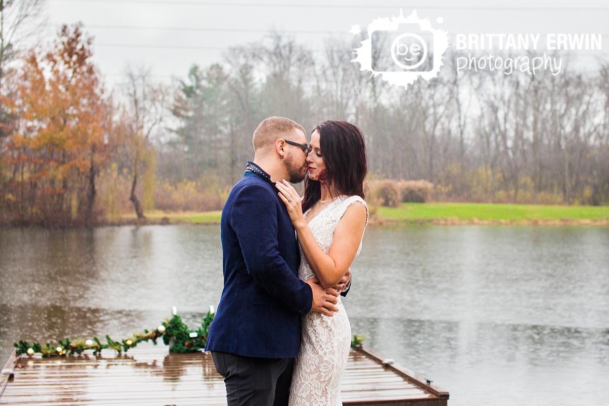 Zombie-elopement-nerd-photographer-bride-bite-infected-geeky-wedding.jpg