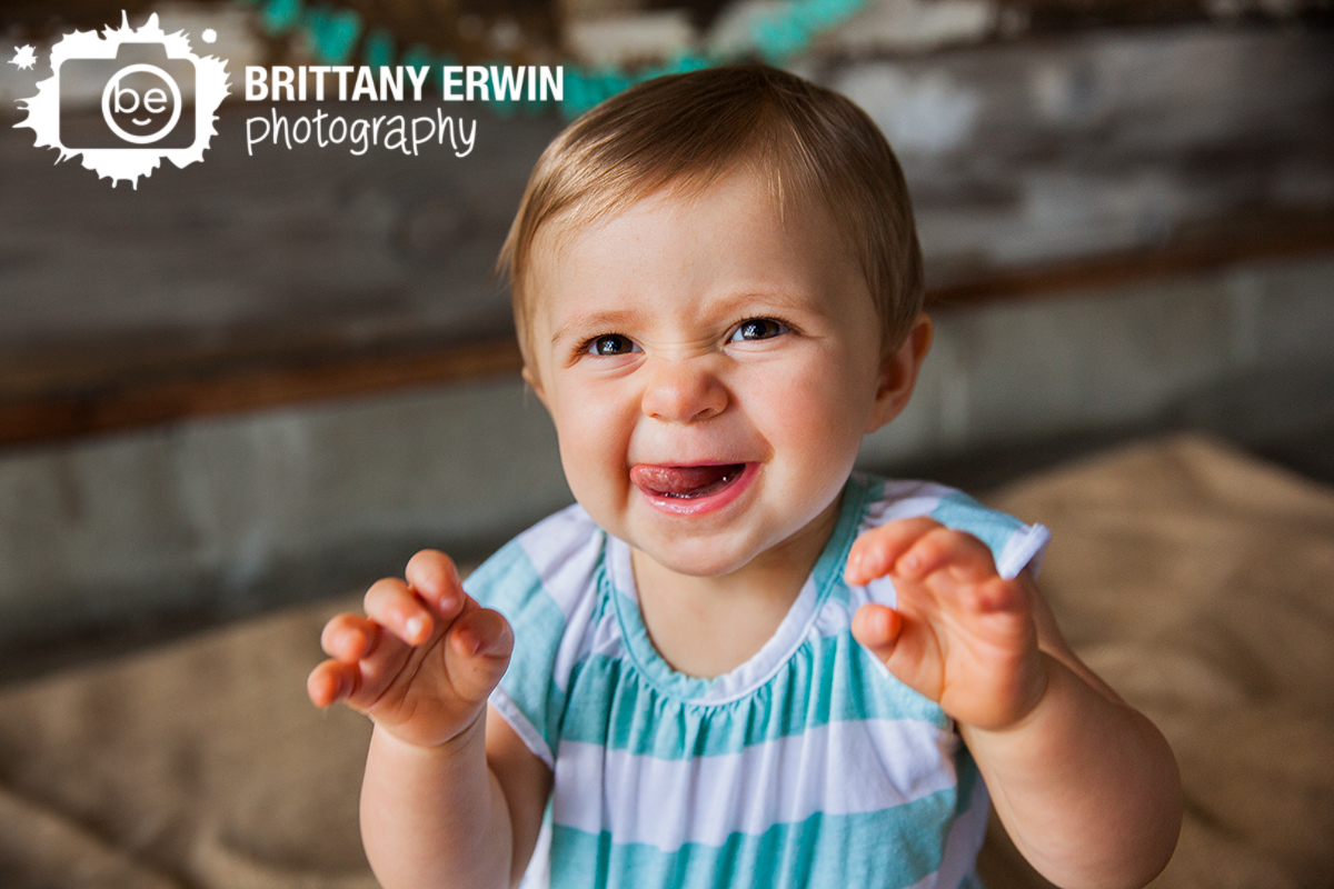Indianapolis-first-birthday-baby-girl-silly-face-studio-photographer.jpg