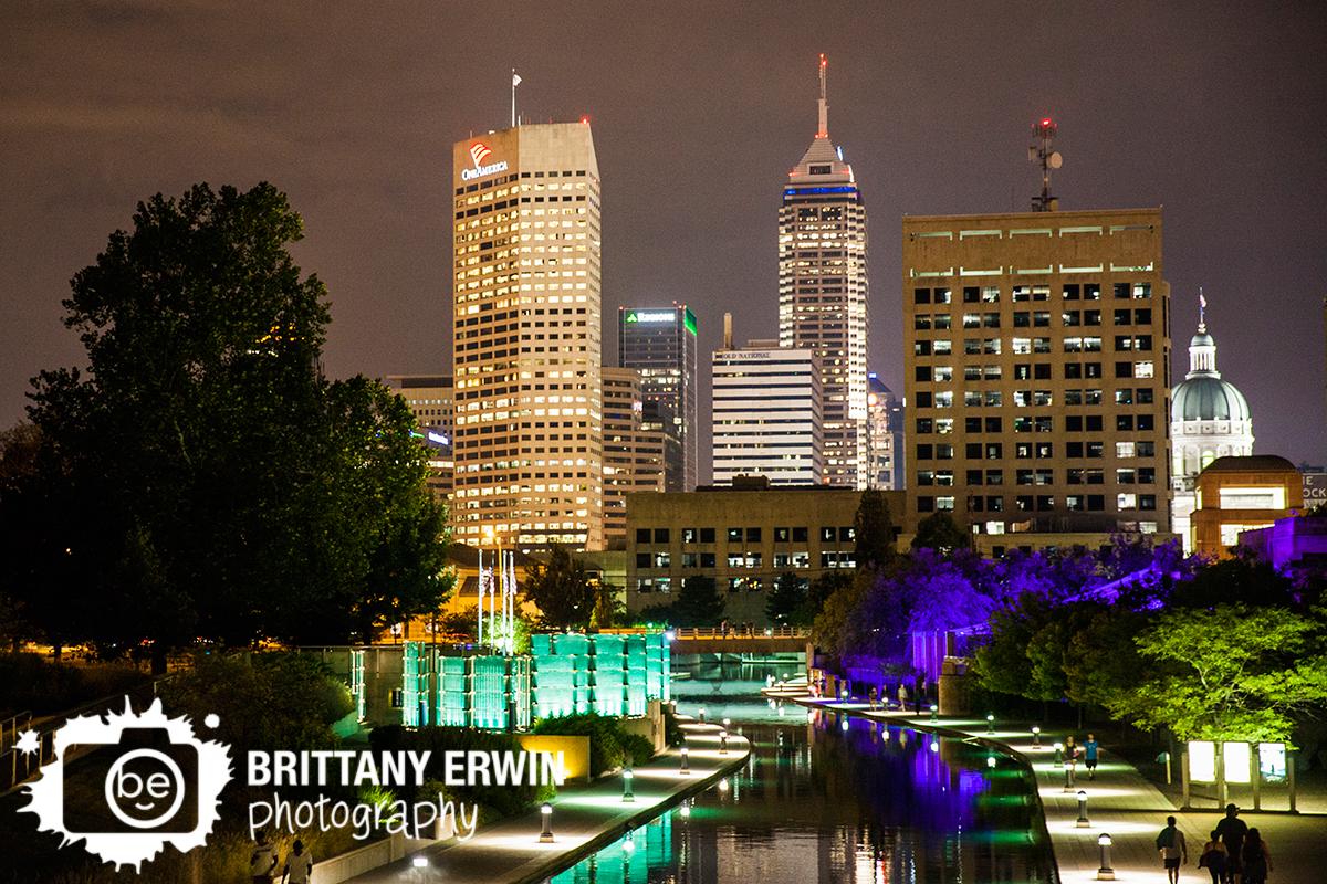 Indianapolis-skyline-GenCon-photographer-night-lights-canal.jpg