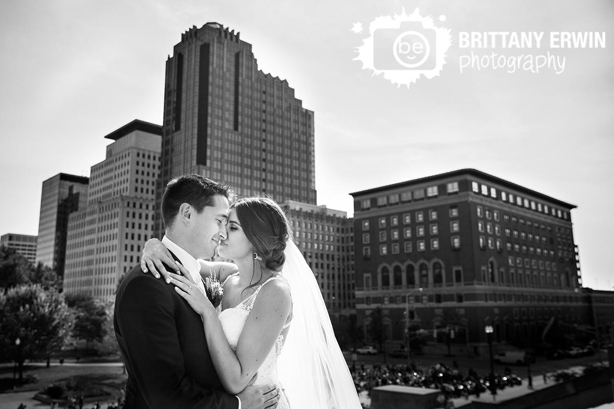 Downtown-Indianapolis-wedding-photographer-bride-groom-skyline-urban-couple.jpg