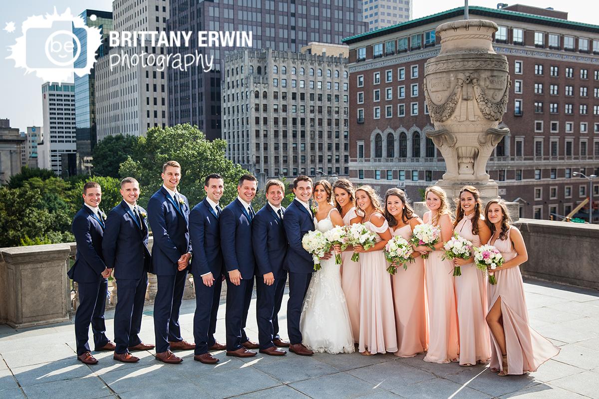 Indianapolis-bridal-party-downtown-skyline-portrait-photographer-wedding-couple-war-memorial.jpg