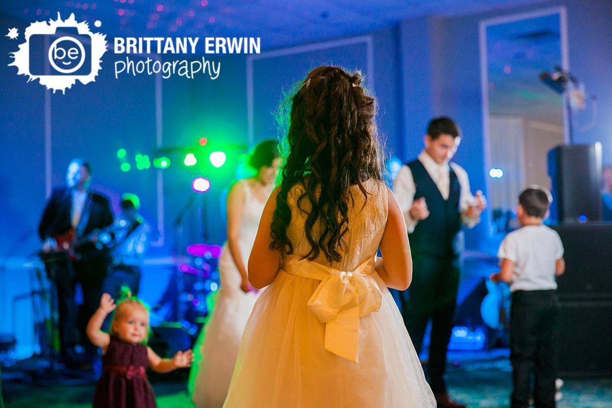 Indianapolis-wedding-reception-photographer-dancing-children-live-band.jpg