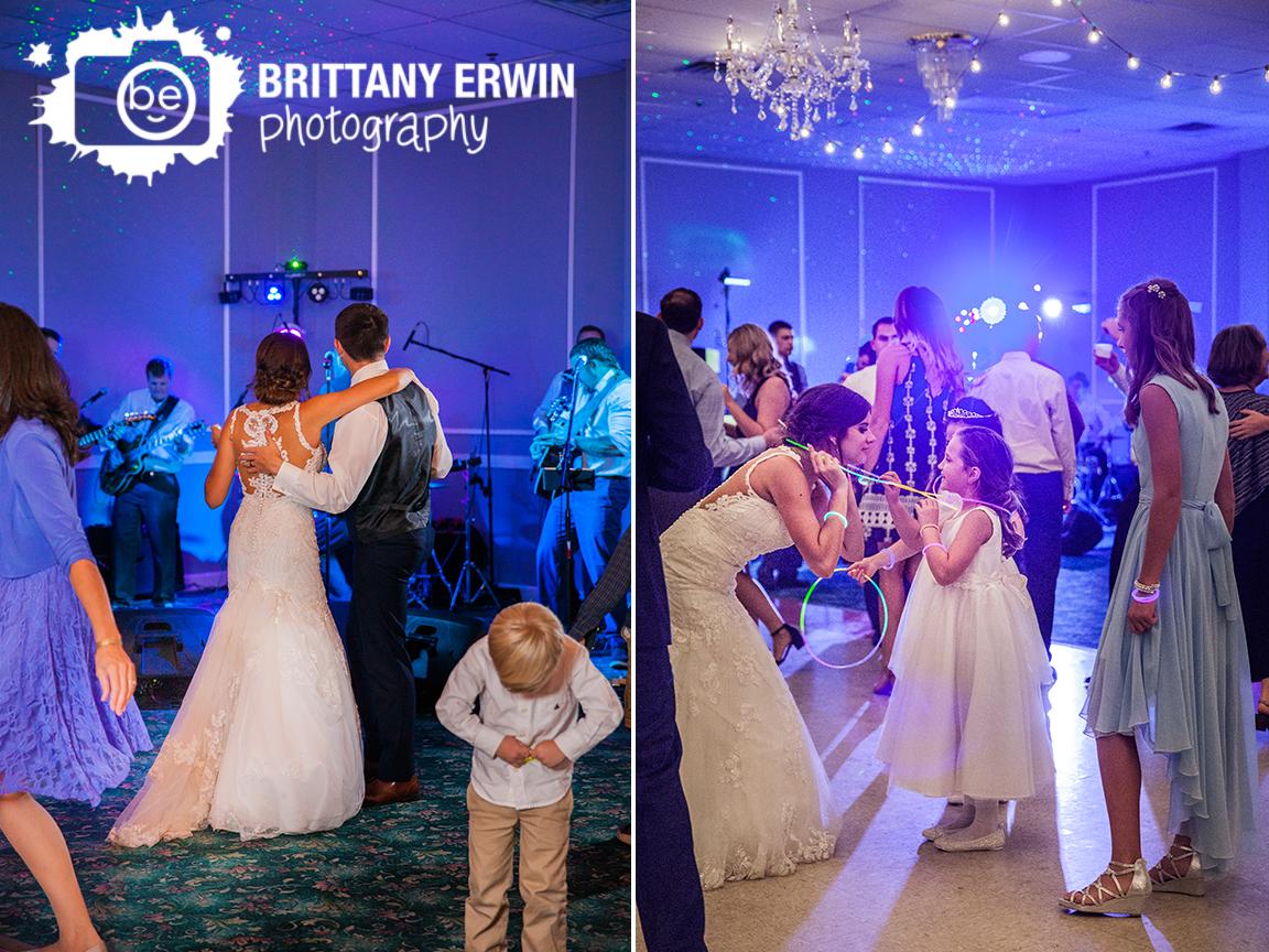 Indianapolis-wedding-reception-photographer-bride-groom-live-band-dancing-glow-necklace.jpg