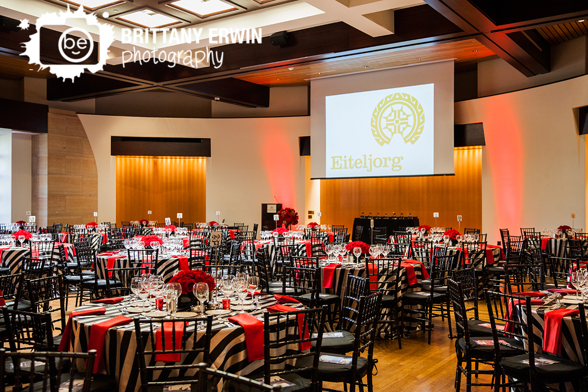Indianapolis-eiteljorg-museum-wedding-reception-venue-red-napkin-rose-centerpiece-table-setting.jpg