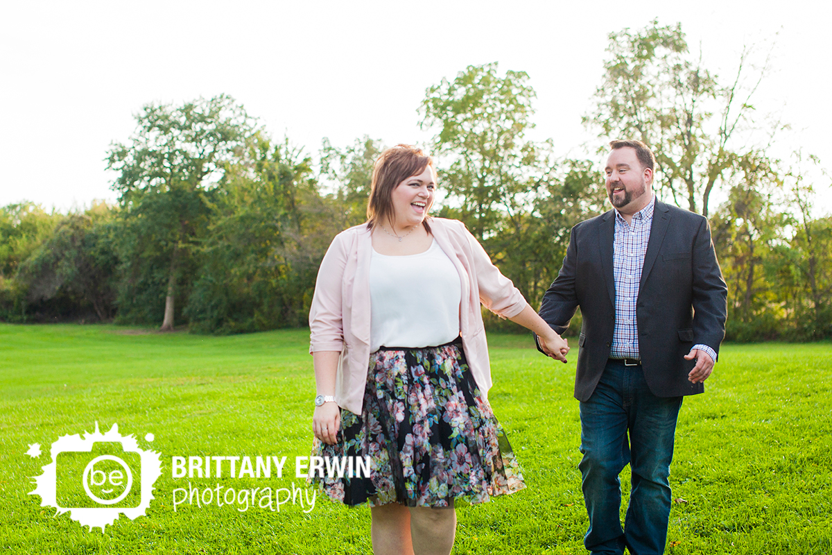 Indianapolis-engagement-portrait-photographer-fun-couple-outside-fall.jpg