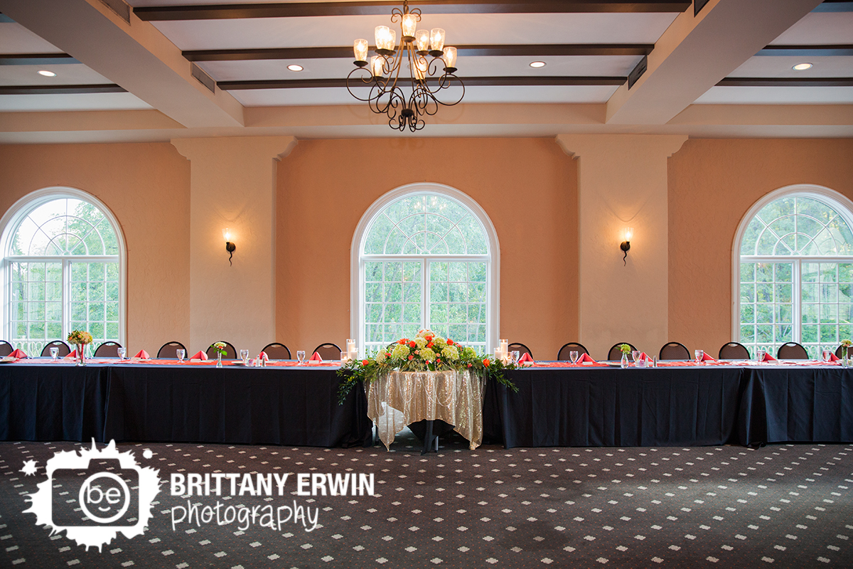 Indianapolis-wedding-reception-photographer-Hillcrest-Country-Club-ruble-flowers-floral-centerpiece-head-table.jpg