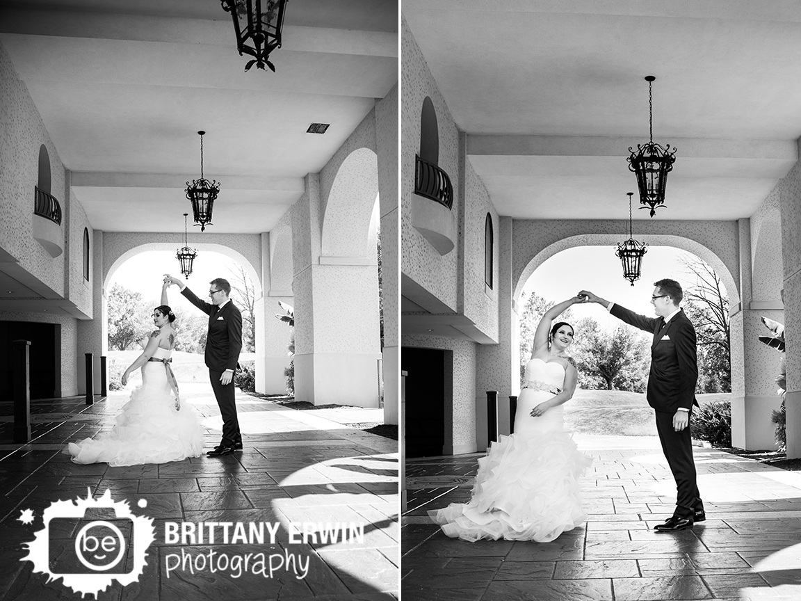 Indianapolis-wedding-photographer-hillcrest-country-club-dancing-couple.jpg