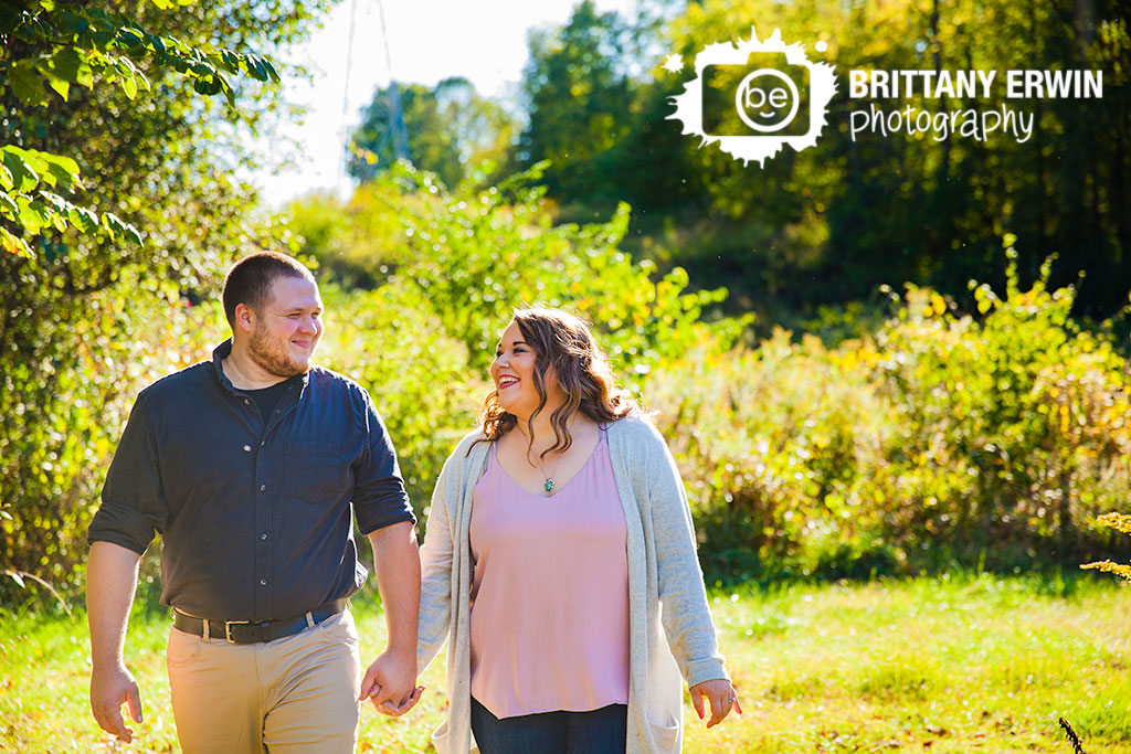 Indianapolis-engagement-portrait-photographer-couple-outdoor-fall-Brittany-Erwin-Photography.jpg