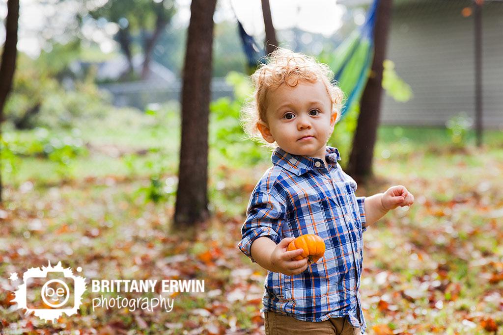 Indianapolis-baby-boy-portrait-photographer-pumpkin-fall-Brittany-Erwin-Photogrpahy.jpg
