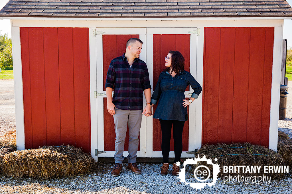 Pleasant-View-Orchard-maternity-portrait-photographer-barn-couple-Brittany-Erwin-Photography.jpg