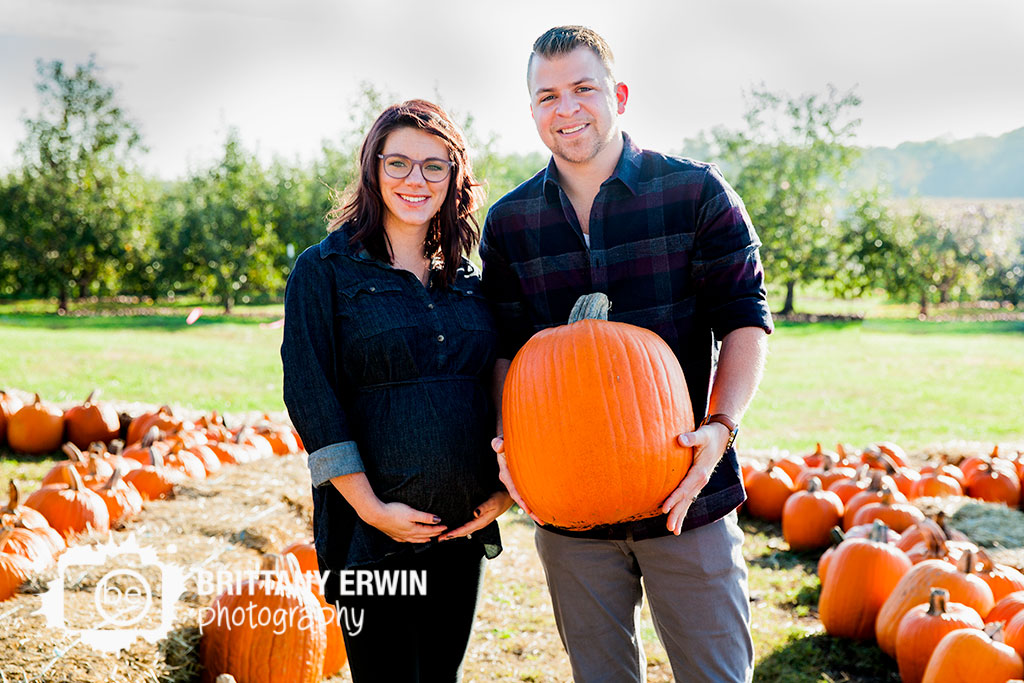 Pleasant-View-Orchard-maternity-portrait-photographer-pumpkin-patch-Brittany-Erwin-Photography.jpg