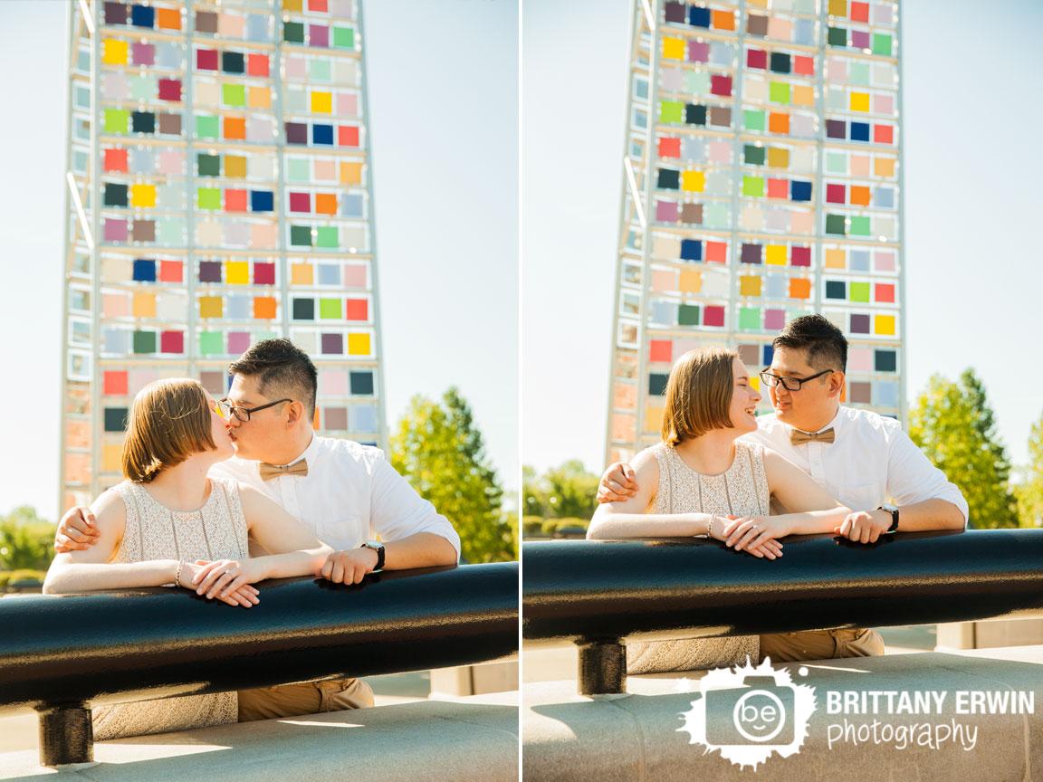 Downtown-Indianapolis-sculpture-canal-elopement-photographer-couple.jpg