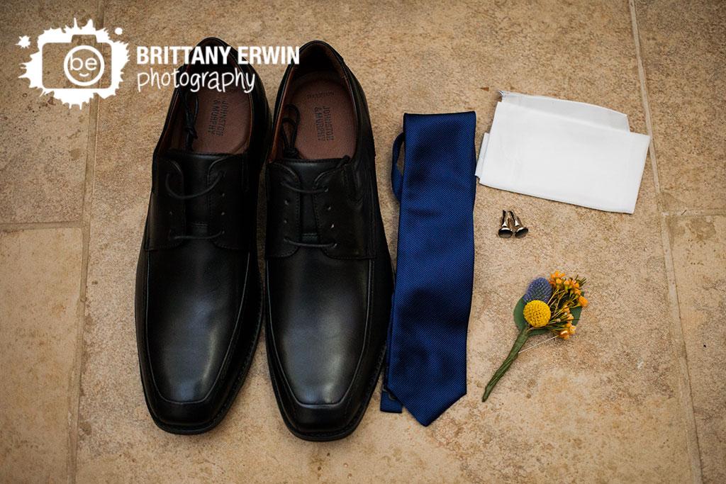 Brown-County-wedding-photographer-Story-Inn-groom-tie-shoes-boutonniere-Bokay.jpg