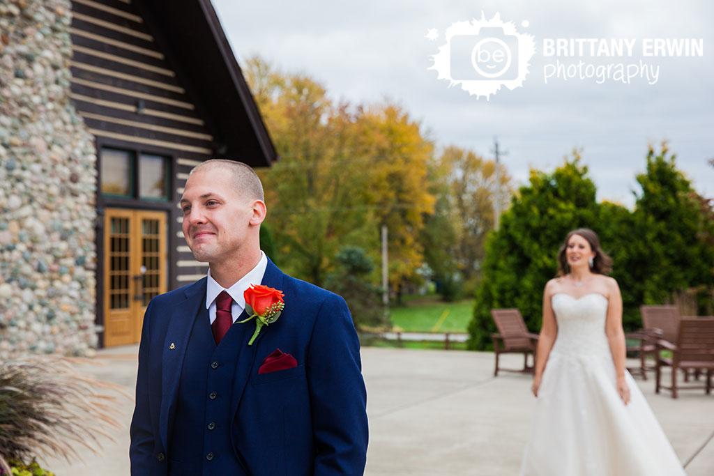 Purgatory-Golf-Club-Noblesville-first-look-wedding-photographer-groom-waiting.jpg