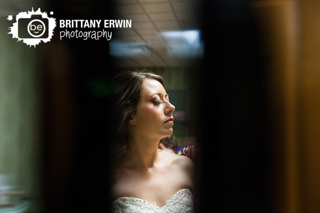 Purgatory-Golf-Club-wedding-photographer-bride-getting-ready-colour-by-courtney-makeup-hair.jpg