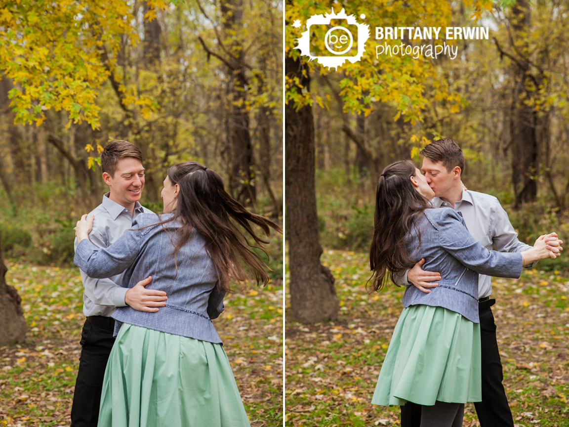 Fort-Harrison-state-park-couple-dancing-in-fall-leaves-Engagement-photographer.jpg