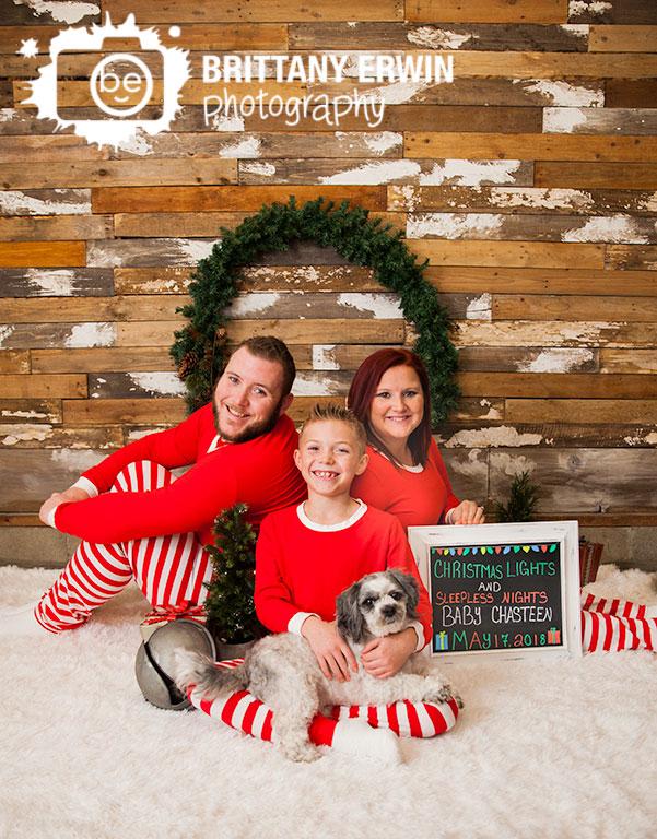 Indianapolis-christmas-studio-photographer-christmas-lights-pj-announcement.jpg