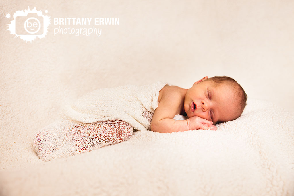 Indianapolis-newborn-baby-boy-studio-photographer-sleeping-blanket.jpg