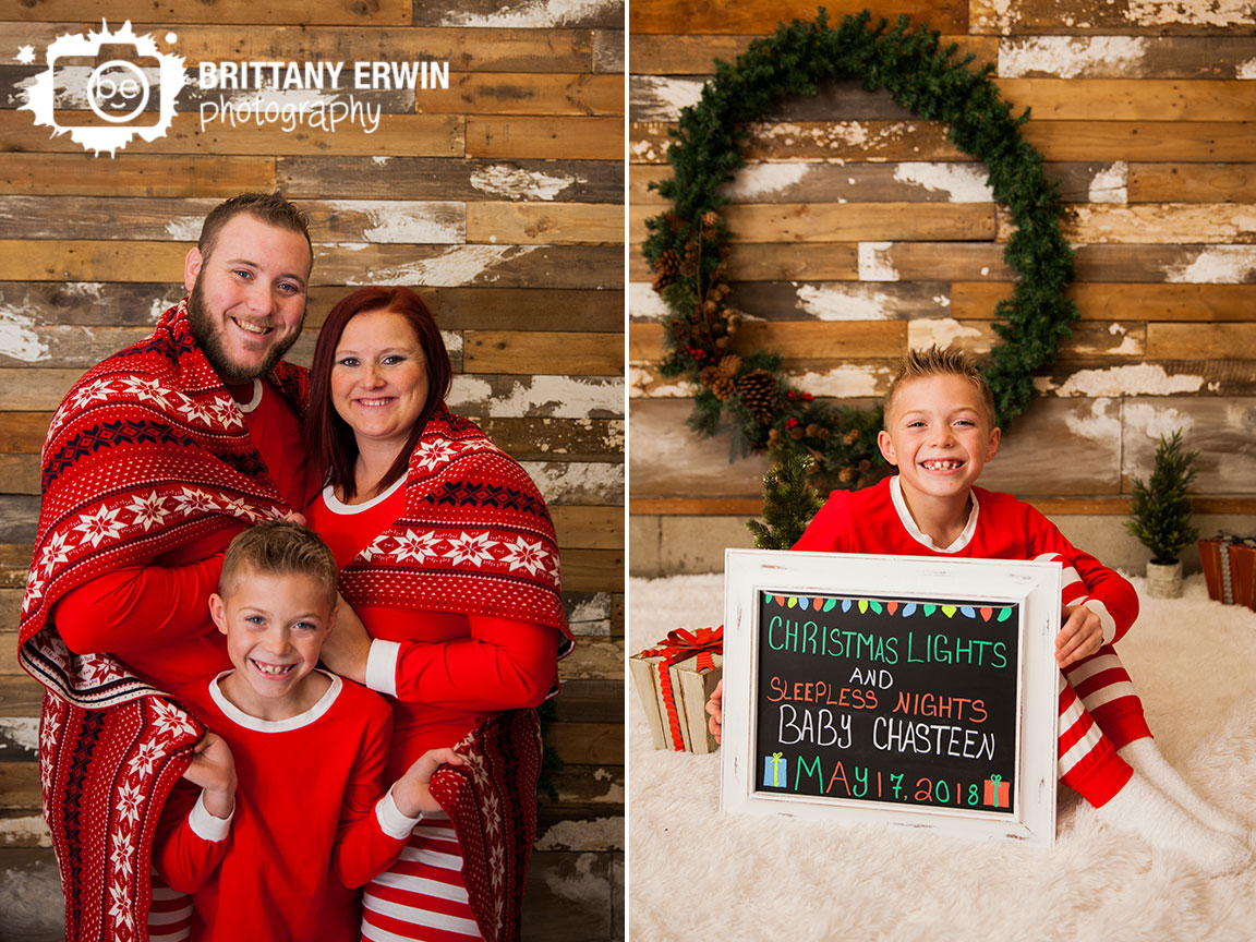Speedway-Indiana-family-christmas-photo-baby-pregnancy-announcement.jpg