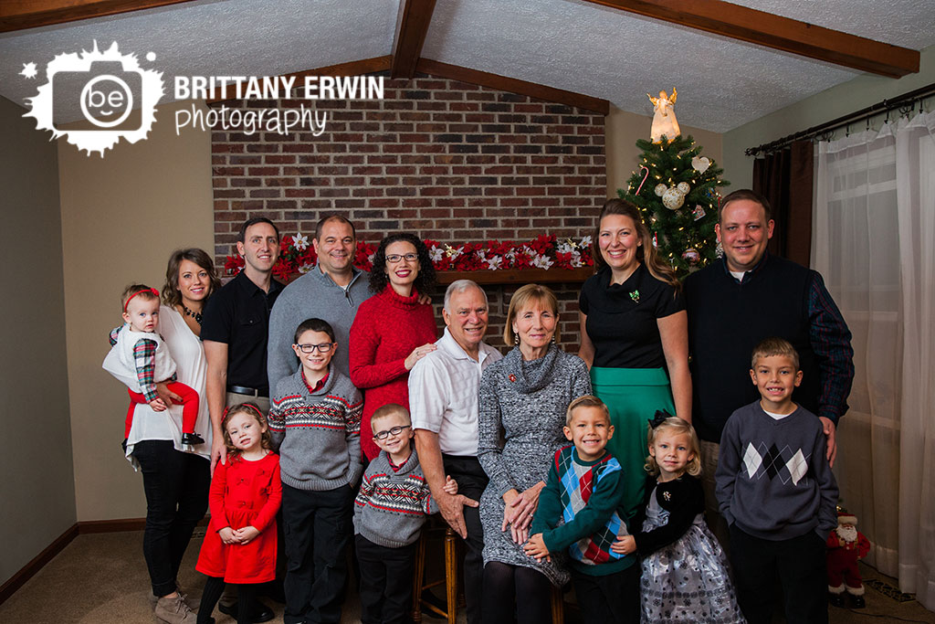On-location-family-portrait-photographer-Indianapolis-group-lifestyle.jpg