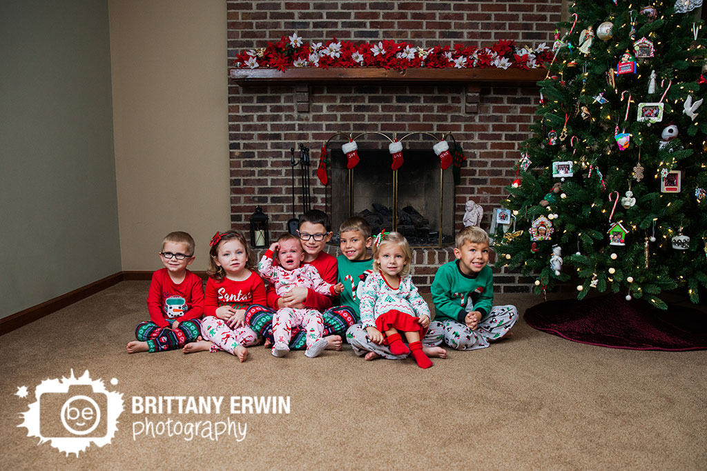 Indianapolis-group-photographer-cousin-pajama-christmas.jpg