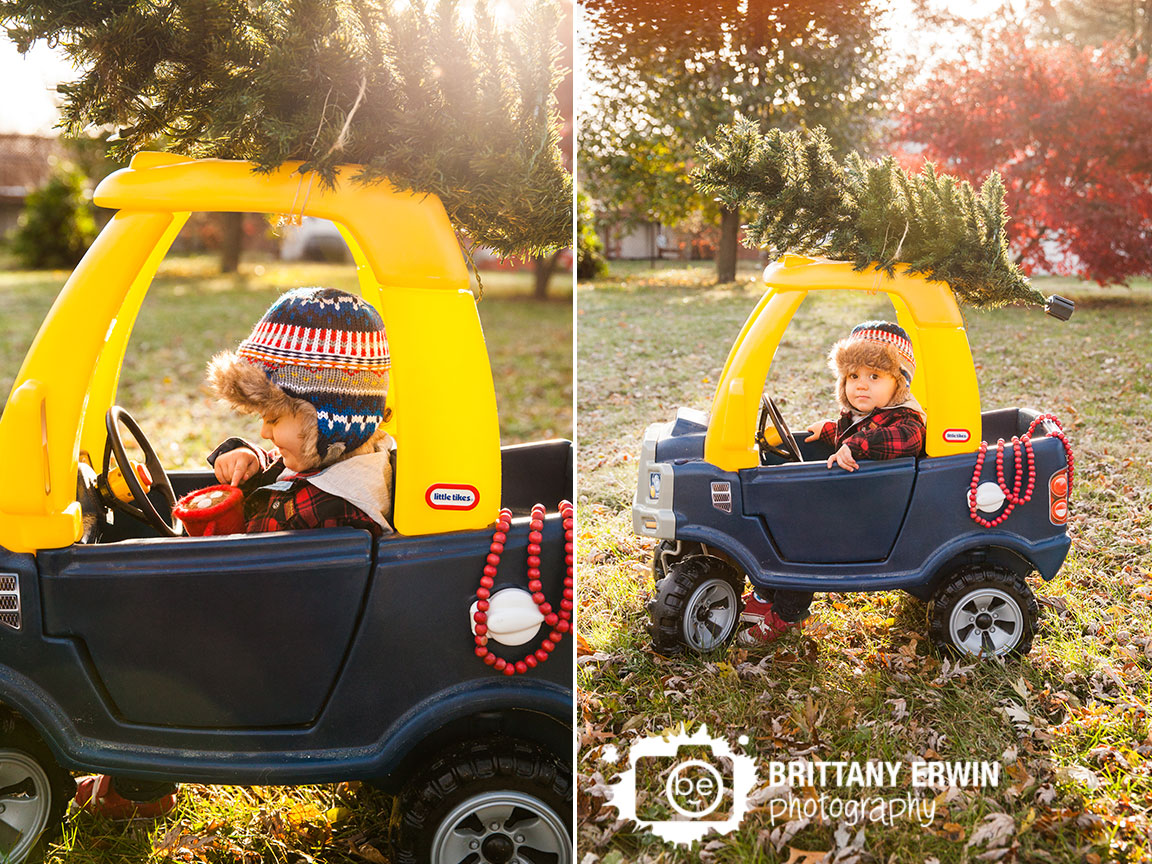 Speedway-Indiana-christmas-card-photographer-hot-chocolate-toddler-in-truck.jpg