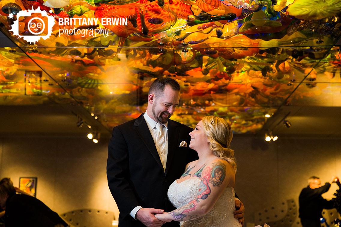 Indianapolis-Childrens-Museum-wedding-photographer-bridal-portrait-glass-sculpture-ceiling-couple.jpg