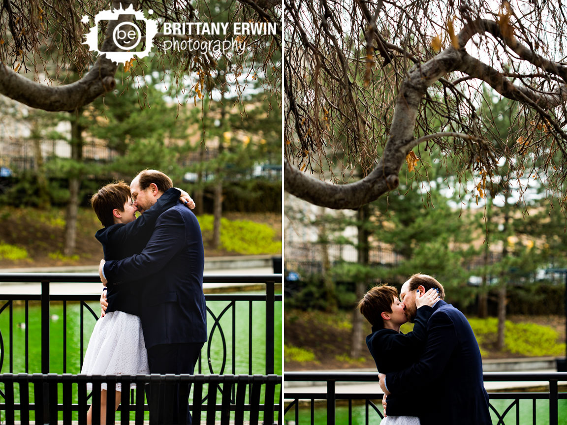 Indianapolis-downtown-elopement-canal-first-kiss-ceremony.jpg