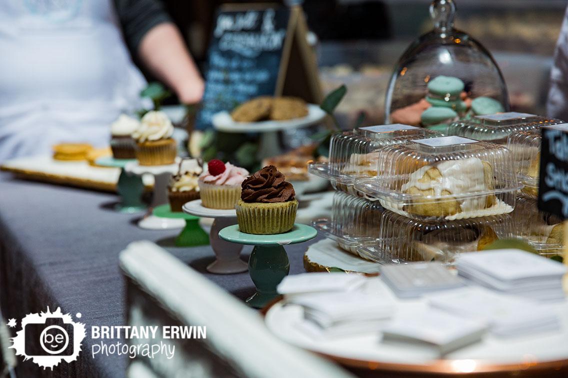 Indy-VegFest-Indianapolis-vegan-food-festival-sea-salt-and-cinnamon-cupcake-booth.jpg