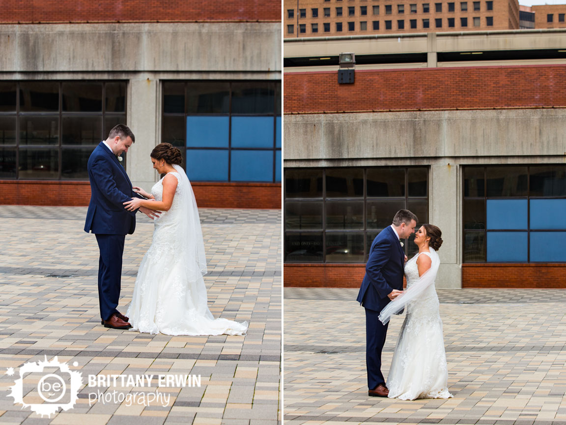 Indianapolis-downtown-first-look-wedding-photographer-bride-groom-pan-am-plaza.jpg