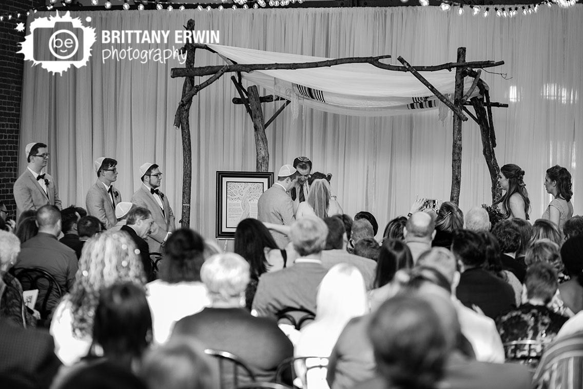 Indianapolis-city-market-jewish-wedding-ceremony-photographer.jpg