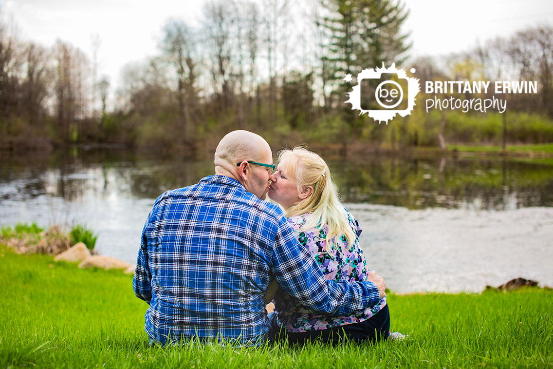 Camby-Indiana-engagement-portrait-photographer-couple-on-hill-by-pond.jpg