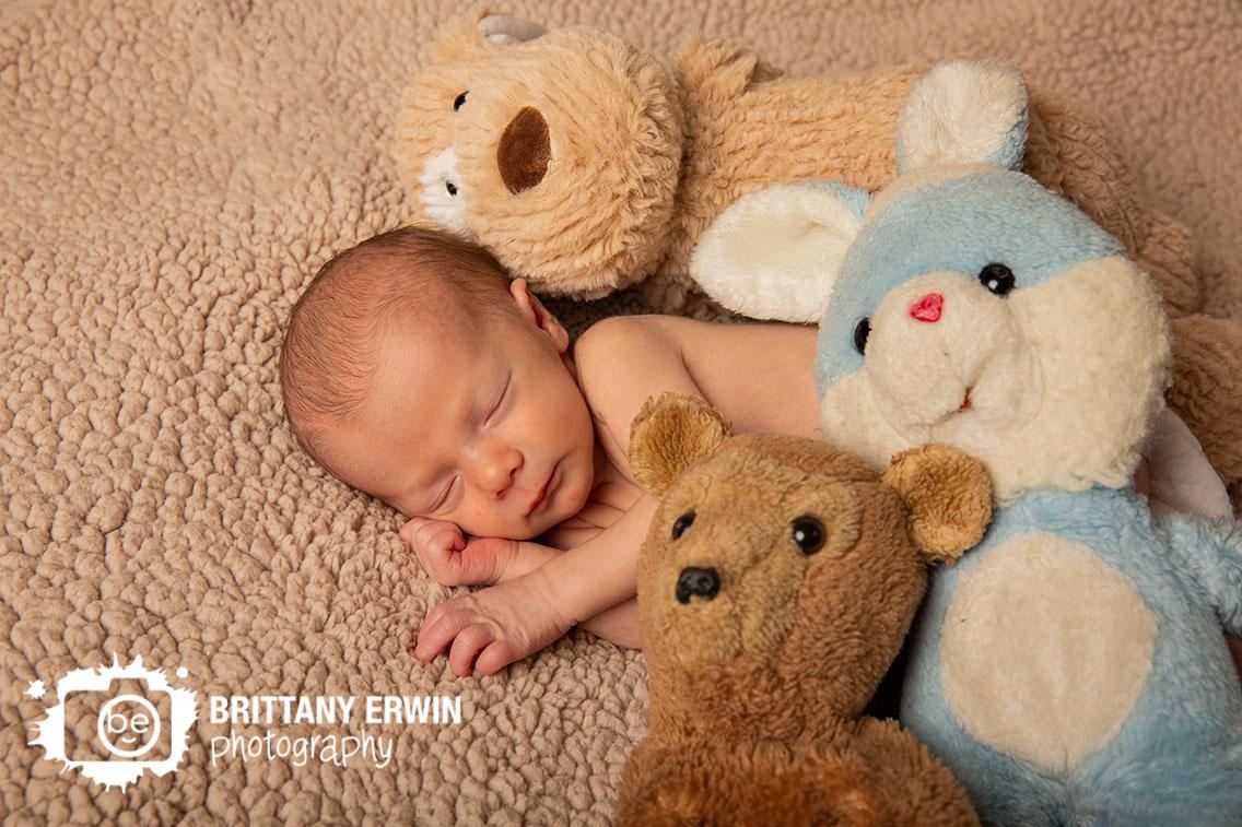 Indianapolis-newborn-baby-boy-portrait-photographer-teddy-bear-mom-dad-heirloom-stuffed-animals.jpg